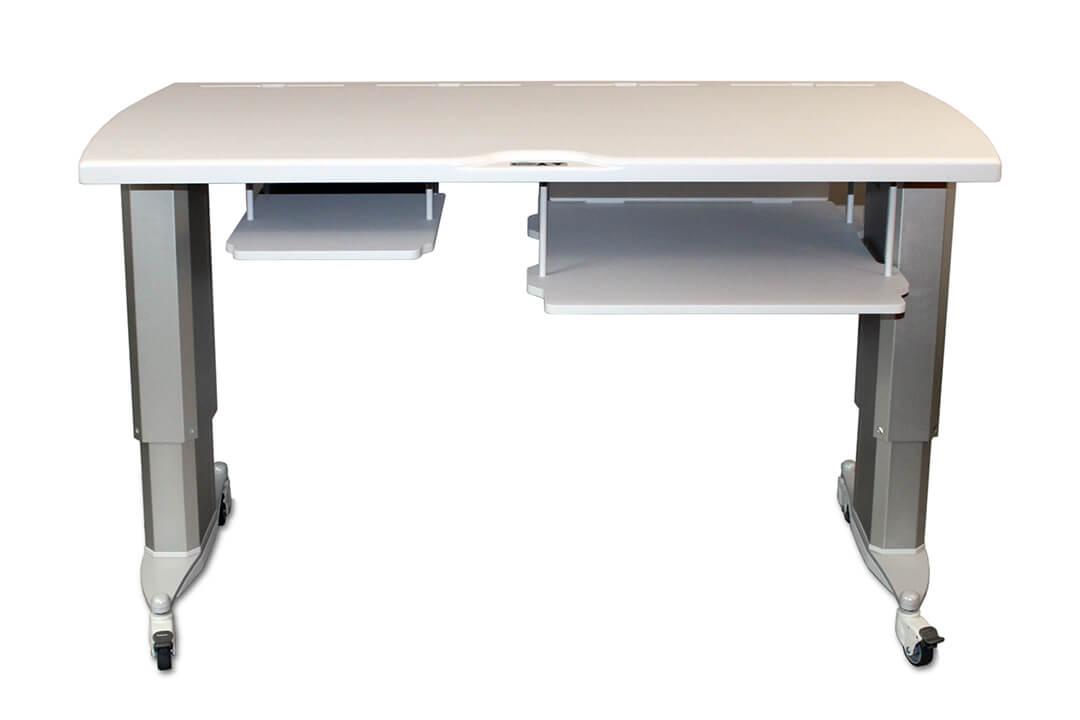 Laitepöytä sähköisellä korkeudensäädöllä pyörätuolipotilaalle